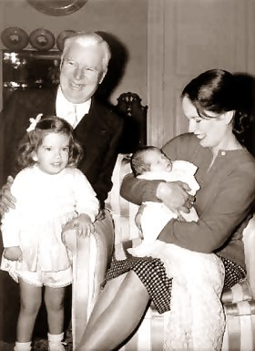 Charles and Oona Chaplin and their two children - goldensilents.com