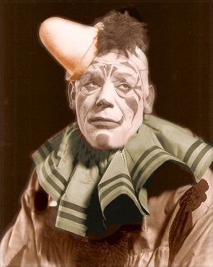 Lon Chaney in Laugh, Clown, Laugh - goldensilents.com